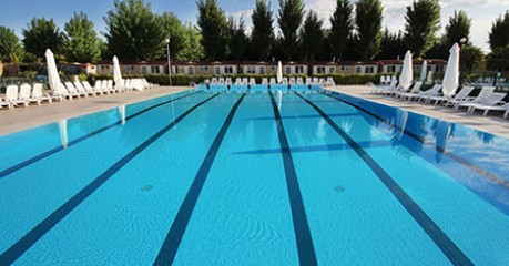 Commercial pool service in Walnut Creek CA